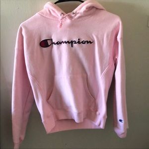 thich champion hoodie w navy letters